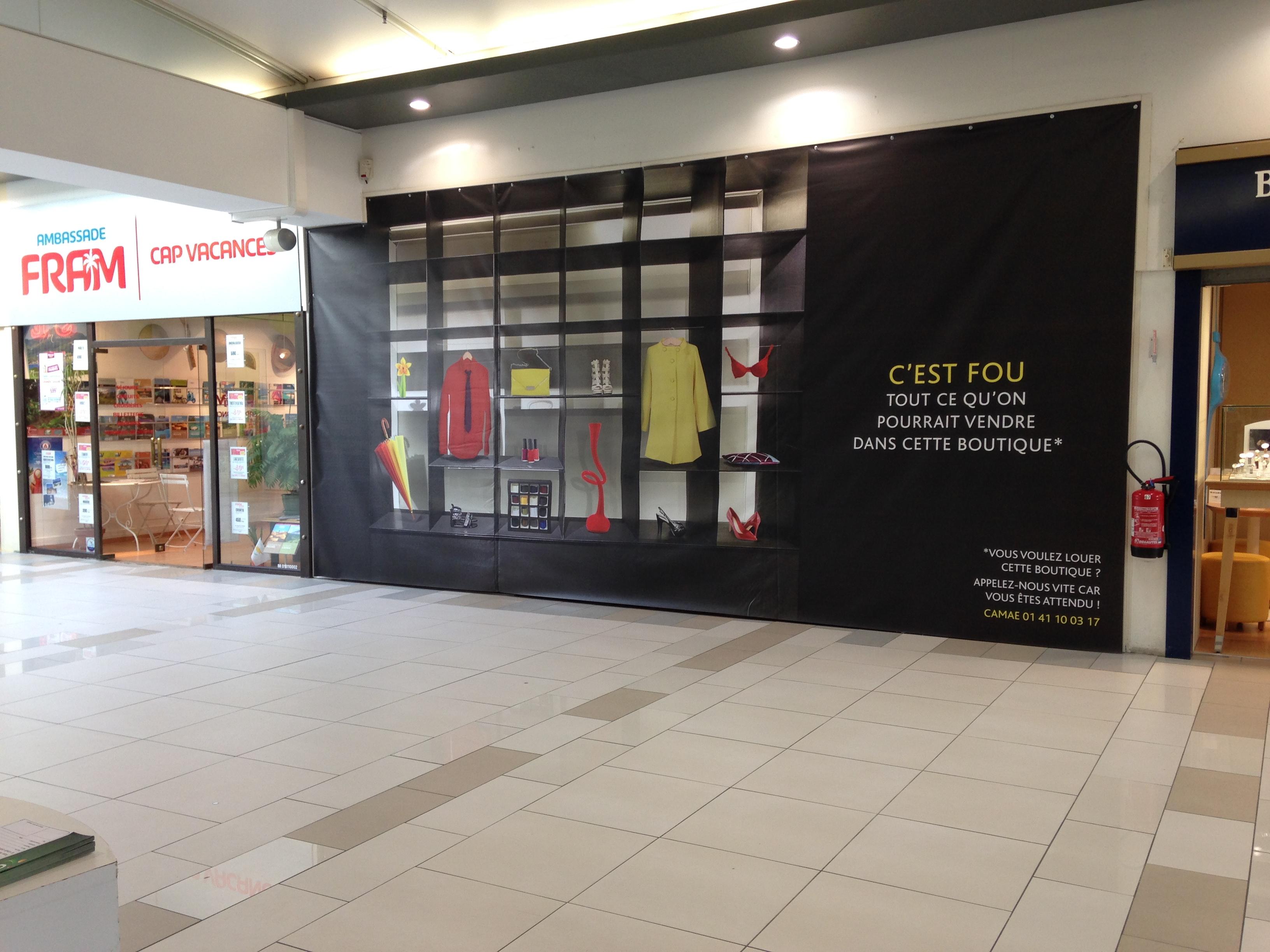 bâche classique cellule à louer centre commercial Saint Doulchard