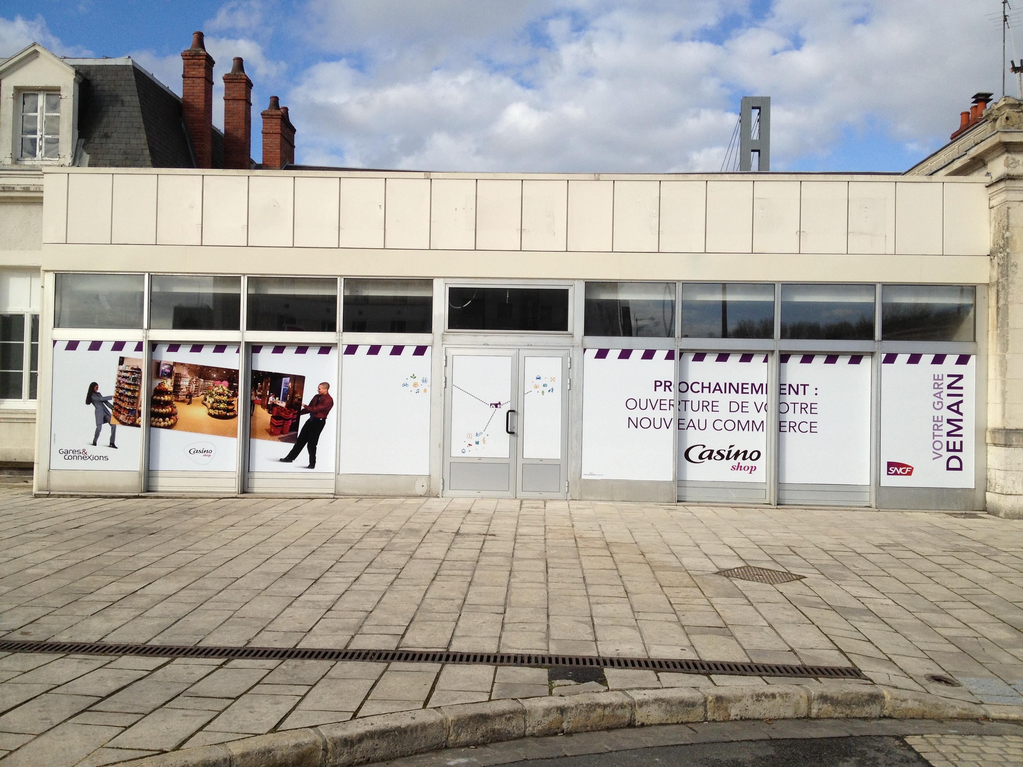 teasing Casino Shop gare de Bourges pour la SNCF
