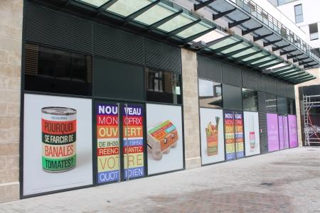 teasing Monoprix (masquage de travaux d'ouverture) centre commercial Avaricum Bourges