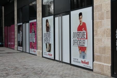 teasing New Yorker (masquage de travaux d'ouverture) centre commercial Avaricum Bourges