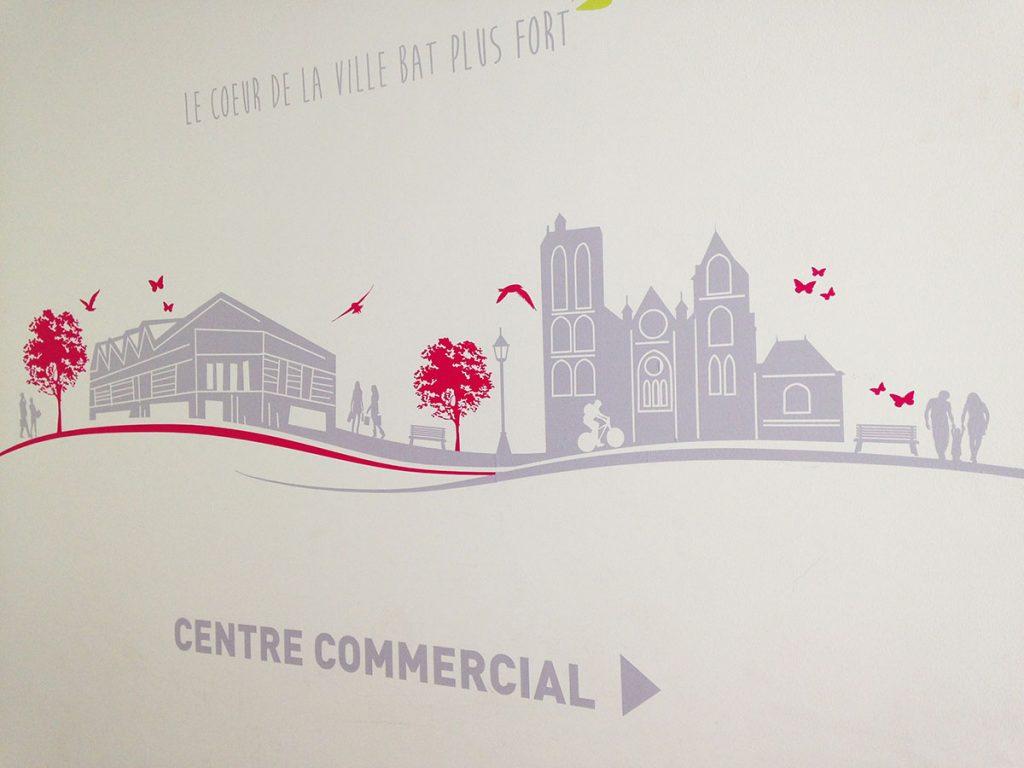impression et pose d'une fresque adhésive pour le centre commercial Avaricum